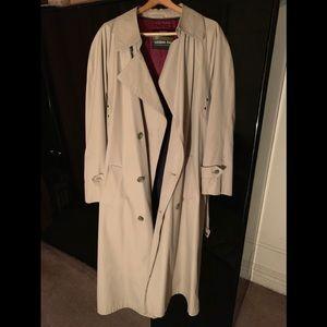 Towne London Fog Trench Coat Khaki  Size 40L